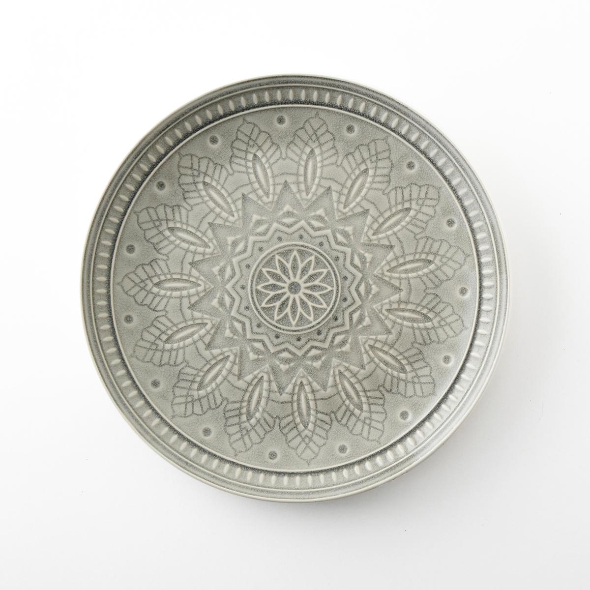 Комплект из 4 мелких тарелок из керамики Nicolosi4 мелких тарелки Nicolosi. Из керамики с трещинами глазури. Рельефный рисунок. Подходит для посудомоечных машин. Размеры : диаметр 26,7 x высота 3 см.<br><br>Цвет: серый