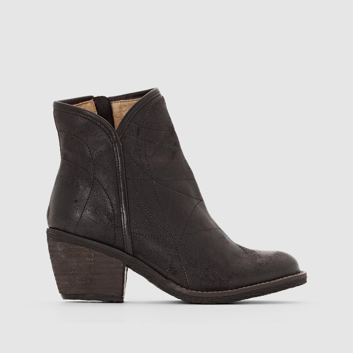 Ботильоны из кожи LakymПодкладка : Кожа   Стелька :  Кожа   Подошва : каучук.   Высота каблука : Средний (от 4 до 6 см)    Высота голенища  : 13,5 см   Застежка : На молнию<br><br>Цвет: черный<br>Размер: 37