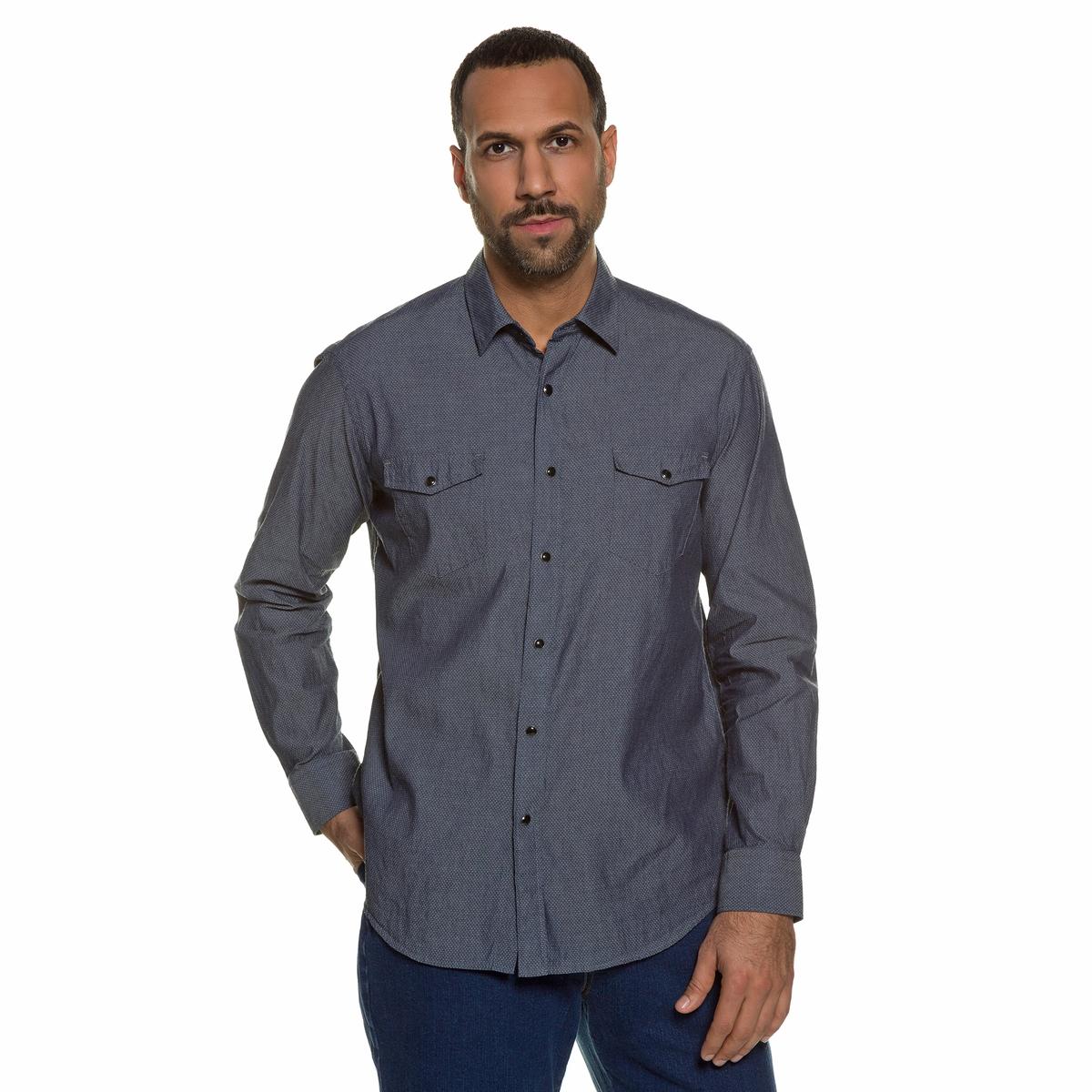 РубашкаРубашка с длинными рукавами JP1880. 100% хлопок.Рубашка мужского покроя с мелким узором. Воротник-Кент и 2 нагрудных кармана. Слегка приталенный покрой позволяет носить рубашку также поверх брюк на свободный манер. Длина в зависимости от размера ок. 78-94 см<br><br>Цвет: черный<br>Размер: 3XL