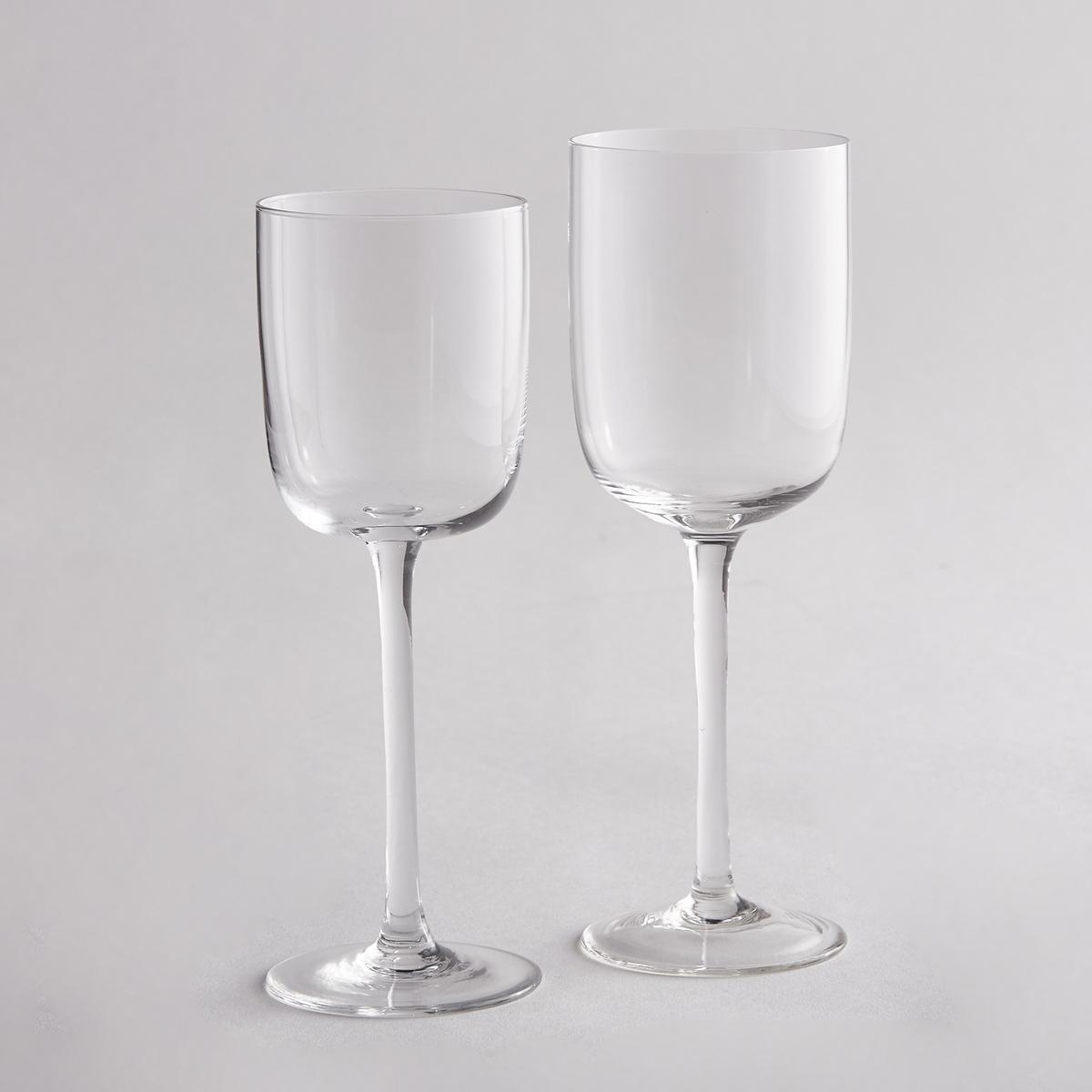Комплект из 4 бокалов для белого винаКомплект из 4 бокалов для белого вина La redoute Int?rieurs для изысканного стола при любых обстоятельствах.Характеристики 4 бокалов для белого вина:- Бокалы на ножке из стекла.- Размеры: 7 x 7 см.- Высота: 21 см.- Подходят для мытья в посудомоечной машине.- В комплекте 4 бокала.<br><br>Цвет: прозрачный