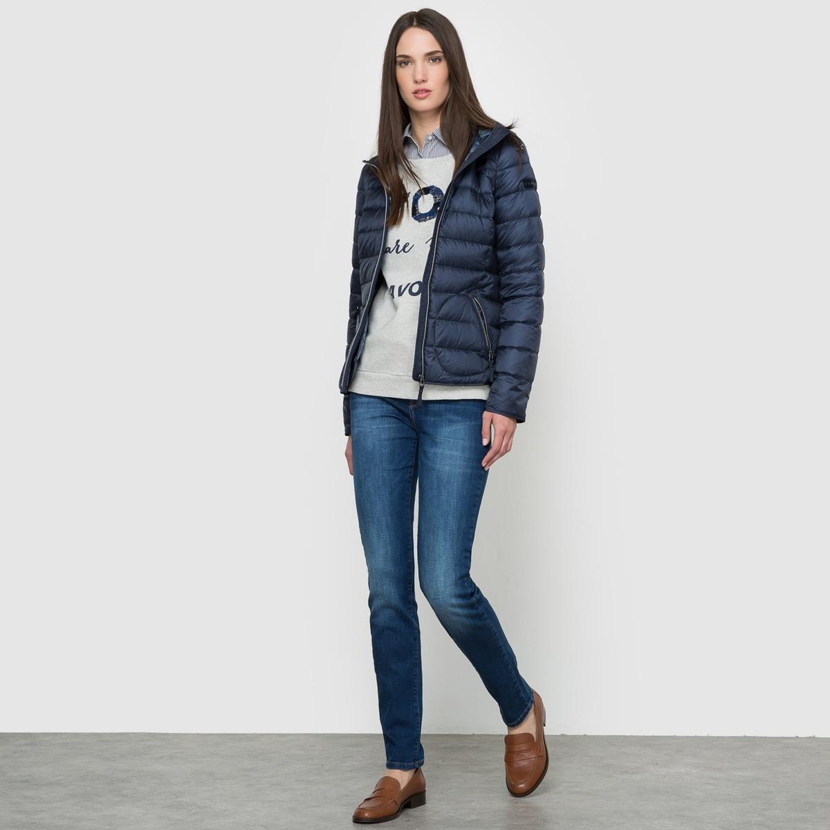 Куртка стёганая лёгкая ESPRITСостав и описаниеМатериал: 100% полиэстерДлина: 61 смМарка: ESPRIT.<br><br>Цвет: темно-синий<br>Размер: 38 (FR) - 44 (RUS)