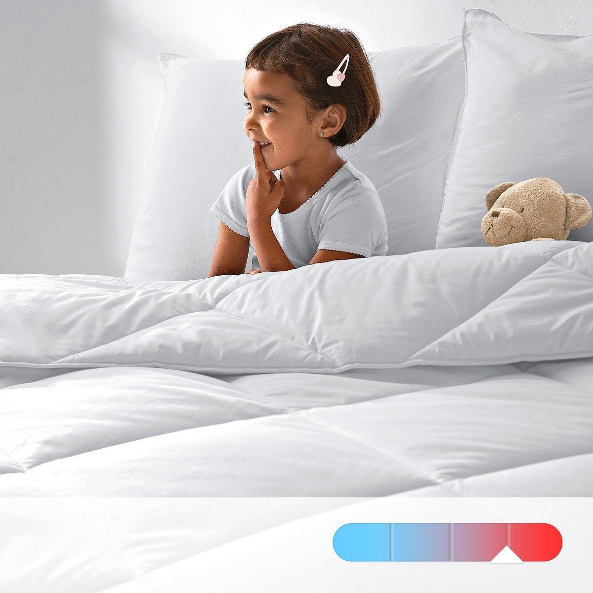 Одеяло LA REDOUTE CREATION, 500 г/м?Не вызывающее аллергии одеяло : пропитка Aegis - настоящий щит от бактерий, клещей и плесени, действующий длительное время внутри волокна   .Характеристики       Наполнитель 100% полых волокон полиэстера. Чехол: 100% хлопка с обработкой Aegis, обеспечивающей свежесть и идеальную гигиену. Отделка кантом. Простежка квадратами по диагонали. Стирка при 40°, возможна машинная сушка при умеренной температуре. Идеально при температуре в комнате 12-15°.: Наполнитель 100% полых волокон полиэстера. 500 г/м? . Чехол: 100% хлопка с обработкой Aegis, обеспечивающей свежесть и идеальную гигиену . Изделие прошло биообработку  .Отделка бейкой.Узор в клетку по диагонали .Уход: : стирка при 40°, возможна барабанная сушка на умеренной температуре . Идеально для комнат с температурой от  12 до 15°.<br><br>Цвет: белый<br>Размер: 240 x 220  см.260 x 240  см