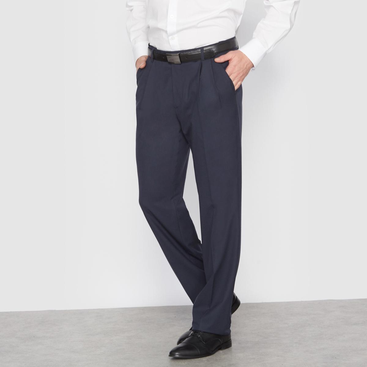 Брюки от костюма с защипами из ткани стретч, длина. 1Брюки можно носить с пиджаком, для создания элегантного и строгого ансамбля, или отдельно.Высококачественная слегка эластичная ткань, 62% полиэстера, 33% вискозы, 5% эластана. Подкладка 100% полиэстер.Длина 1 (при росте до 187 см).Пояс с потайной регулировкой для максимального комфорта и адаптации к любому обхвату талии. Застежка на молнию, пуговицу и крючок. 2 косых кармана. 1 прорезной карман с пуговицей сзади. Необработанный низ. Длина 1 (при росте до 187 см) :- Длина по внутр.шву : 84,8-87,8 см, в зависимости от размера. - Ширина по низу : 21,9-27,9 см, в зависимости от размера. Есть также модель длины 2 : при росте от 187 см. Есть также модель без защипов.<br><br>Цвет: антрацит,темно-синий,черный<br>Размер: 56.62.66.44 (FR) - 50 (RUS).48 (FR) - 54 (RUS).54.60.62.44 (FR) - 50 (RUS).66
