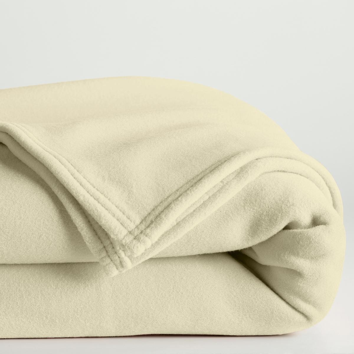 Покрывало флисовое 600 г/м?Характеристики флисового покрывала :100% полиэстерОтделка двойной прострочкой.Стирать при 60°, быстрое высыхание.Гарантия 2 года.Это покрывало подходит для использования в неотапливаемых комнатах (при температуре от 12° и ниже).Плюсы изделия : Очень плотное, теплое и комфортное, мягкое и простое в уходе.<br><br>Цвет: бежевый,малиновый,синий королевский,сливовый,темно-серый,шоколадный,экрю<br>Размер: 75 x 100  см.240 x 220  см