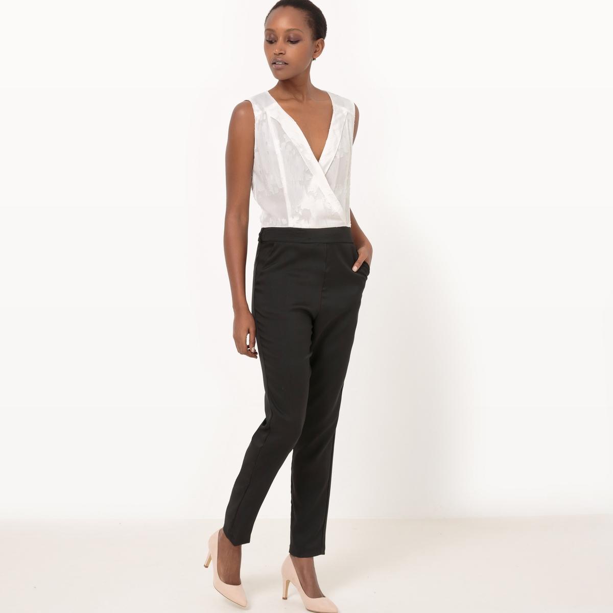 Комбинезон с брюками с кружевными вставкамиДетали  •  Прямой Состав и уход  •  100% полиэфирное волокно •  Просьба следовать советам по уходу, указанным на этикетке изделия<br><br>Цвет: белый<br>Размер: XL.S.M