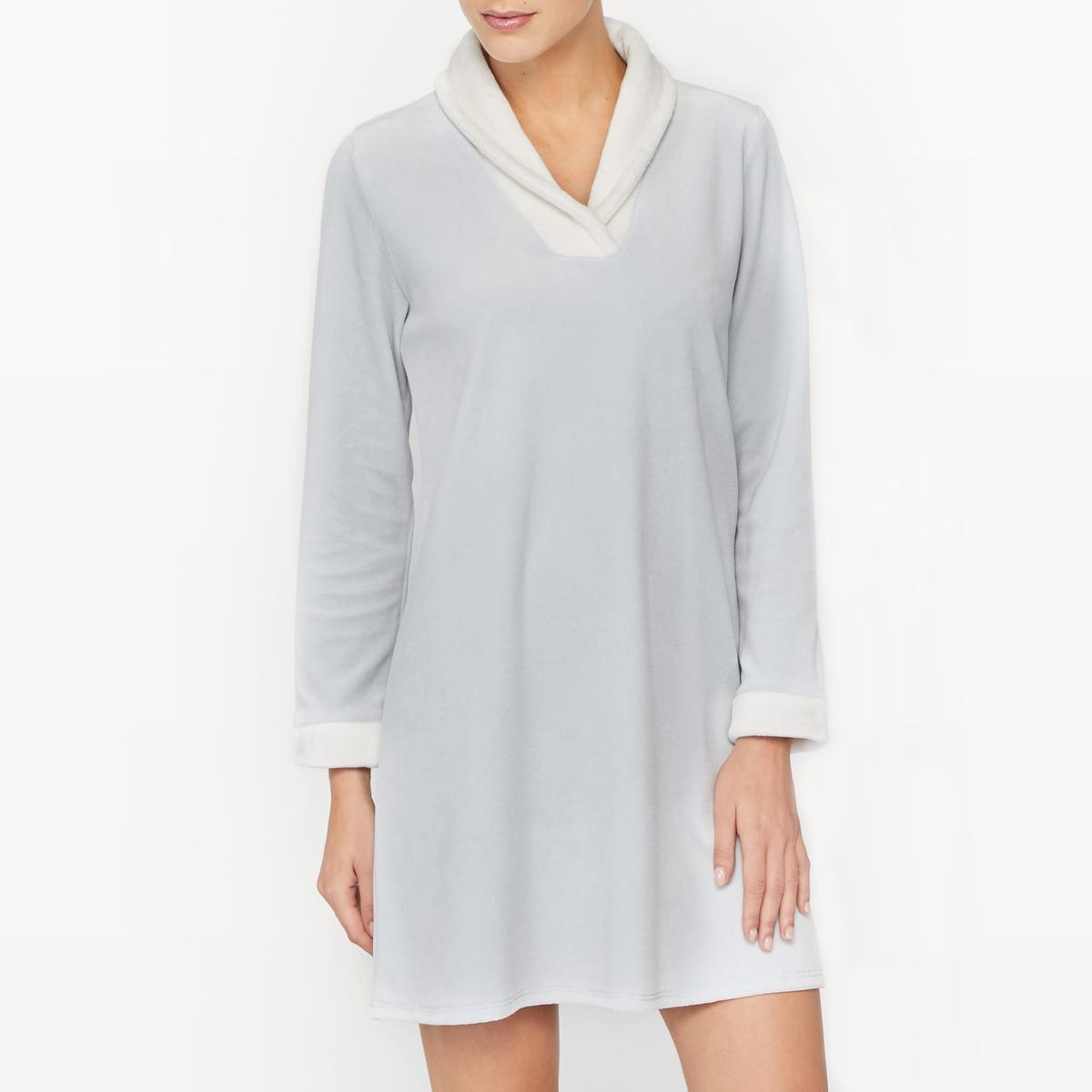 Рубашка ночная из велюра LolitaНочная рубашка из велюра Lolita. Мягкая и комфортная ткань. Длинные рукава. Шалевый воротник, края рукавов с имитацией меха контрастного цвета. Состав и описание Основной материал : велюр, 80% хлопка, 20% полиэстераДополнительный материал : имитация меха, 100% полиэстер Марка : LE CHATМодель : Lolita   Уход Машинная стирка при 30 °C в деликатном режимеСтирать с вещами схожих цветовМашинная сушка в деликатном режимеГладить при низкой температуре с изнаночной стороны - Не гладить воротник<br><br>Цвет: светло-серый<br>Размер: 38 (FR) - 44 (RUS).42 (FR) - 48 (RUS)