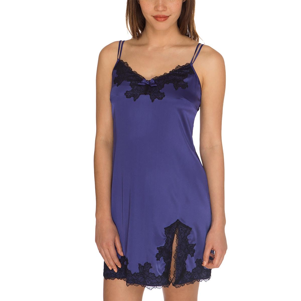 Ночная сорочка из шелка и кружеваНочная сорочка из шелка и кружева. 76% шелка, 14% полиамида, 10% эластана: Изящное сочетание материалов и цветов и отделка кружевом причудливой формы.                           Машинная стирка при 30°.<br><br>Цвет: синий/ черный<br>Размер: 42/44 (FR) - 48/50 (RUS)