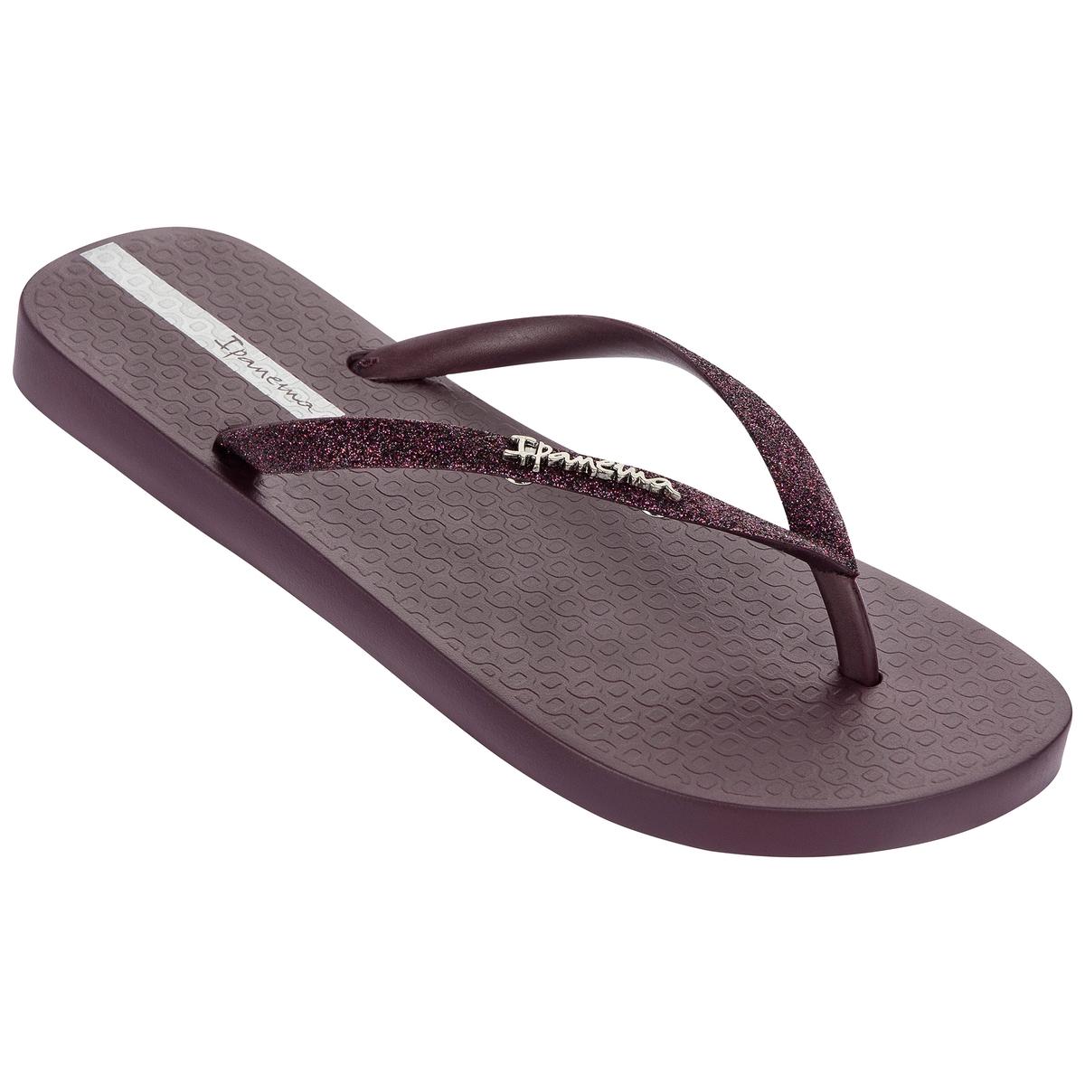 Вьетнамки Lolita IIIВерх: каучук      Подошва: каучук   Форма каблука: плоская   Мысок: закругленный   Застежка: без застежки<br><br>Цвет: бордовый<br>Размер: 35/36
