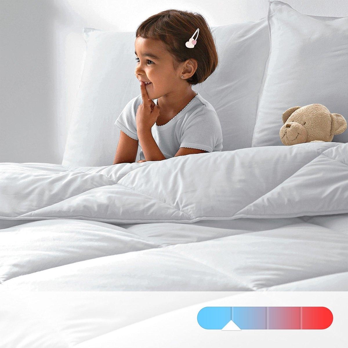 Одеяло синтетическое антибактериальное, с обработкой от клещей и плесени