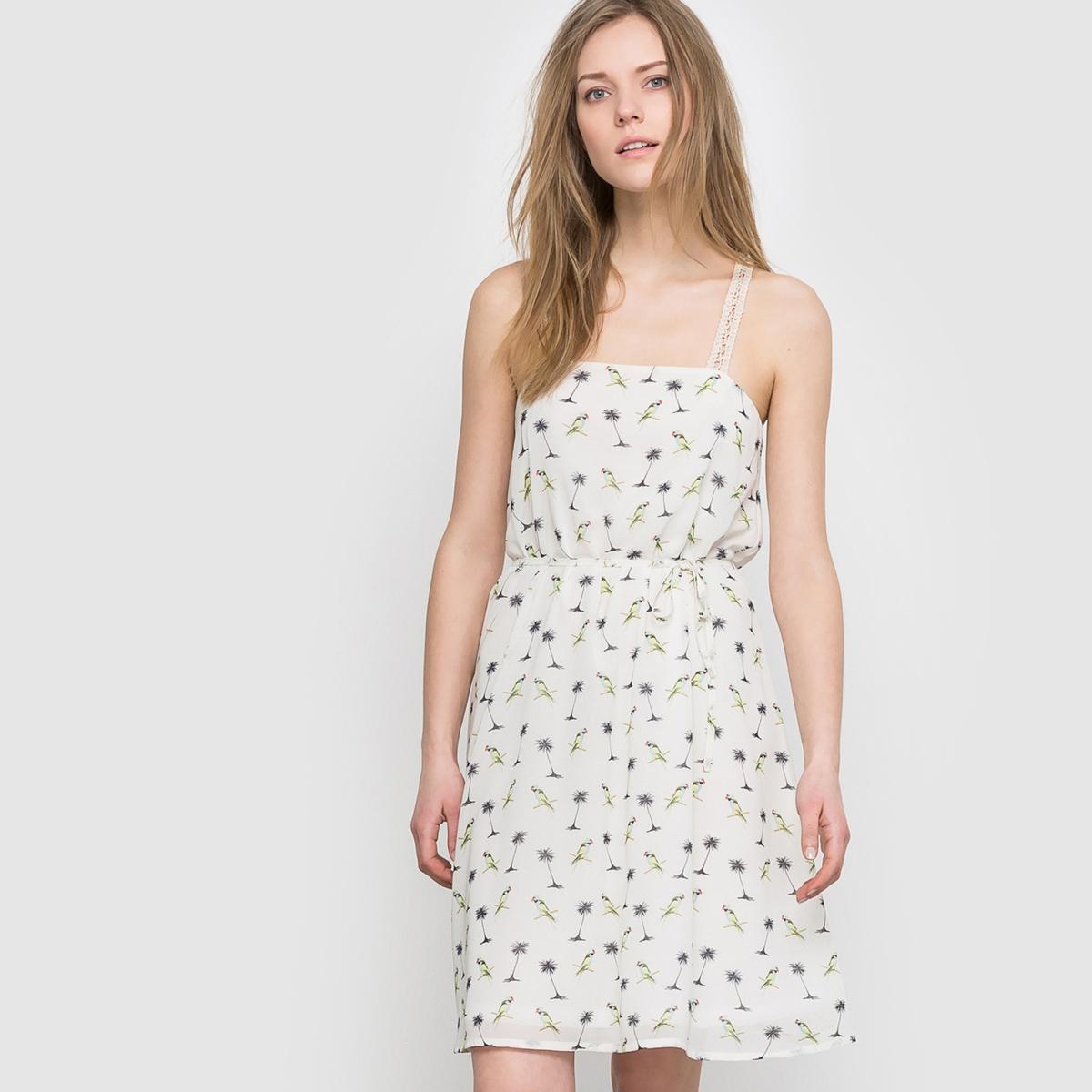 Платье из струящейся ткани с открытыми плечамиСостав и описаниеМарка: MOLLY BRACKEN.Материалы: 100% полиэстер.УходМашинная стирка при 30° с одеждой такого же цвета.Сушить на открытом воздухе.Гладить на низкой температуре.<br><br>Цвет: белый наб.рисунок<br>Размер: XS