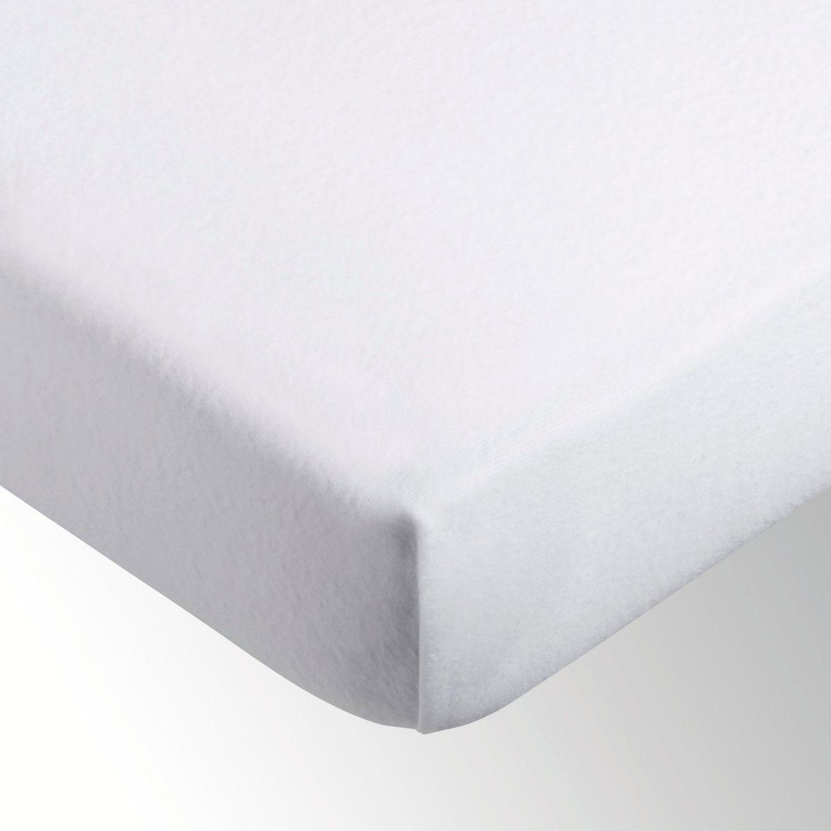 Чехол защитный для матраса LA REDOUTEЗащитный чехол для матраса. Мягкий мольтон стретч, 100% микроволокон полиэстера, 200 г/м?. Естественная защита от бактерий! Дышащий и впитывающий материал с эффектом терморегуляции. Не остается разводов. Микроволокна являются прекрасной защитой против клещей и пыли. Плотно облегает углы. Клапан 25 см для размеров 90 и 140, клапан 22 см для размера 160 см. Стирка при 60?. Товар соответствует требованиям сертификата OEKO-TEX.<br><br>Цвет: белый