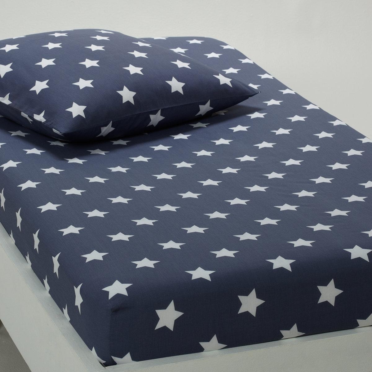 Натяжная простыня с рисунком Навор.Другие товары из коллекции Вы можете найти на laredoute.ru Характеристики:рисунок звезды. 100% хлопка. Стирка при 60°.Размер:90 x 190 см: 1-сп.<br><br>Цвет: синий