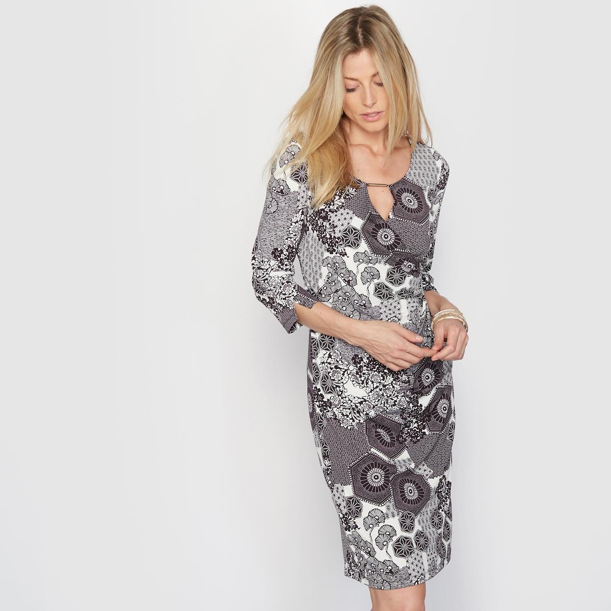 Платье с рисунком из крепового трикотажаПлатье с рисунком. Длинные рукава. Женственная и очень комфортная форма, красиво подчеркивающая силуэт. Глубокий вырез-капелька с отделкой. Низ рукавов со складками. Красивый креповый трикотаж, струящийся и немнущийся, комфортный, замечательный на ощупь.Состав и описание :Материал : Креповый трикотаж 86% полиэстера, 14% эластана.Подкладка : 100% полиэстер.Длина 95 см. Марка : Anne WeyburnУход :Машинная стирка при 30 °С в умеренном режиме.Гладить при умеренной температуре.<br><br>Цвет: рисунок/фон экрю<br>Размер: 42 (FR) - 48 (RUS)