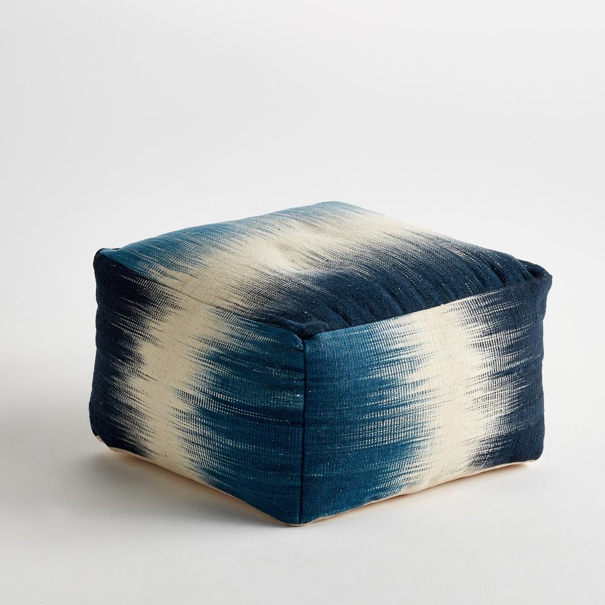Пуф MevelХарактеристики :- Обшивка 80% шерсти, 20% хлопка-  Бескаркасный пуф полностью состоит из ткани- Наполнен шариками из полистиролаРазмеры  : - Д60 x В33 x Г60 см<br><br>Цвет: синий