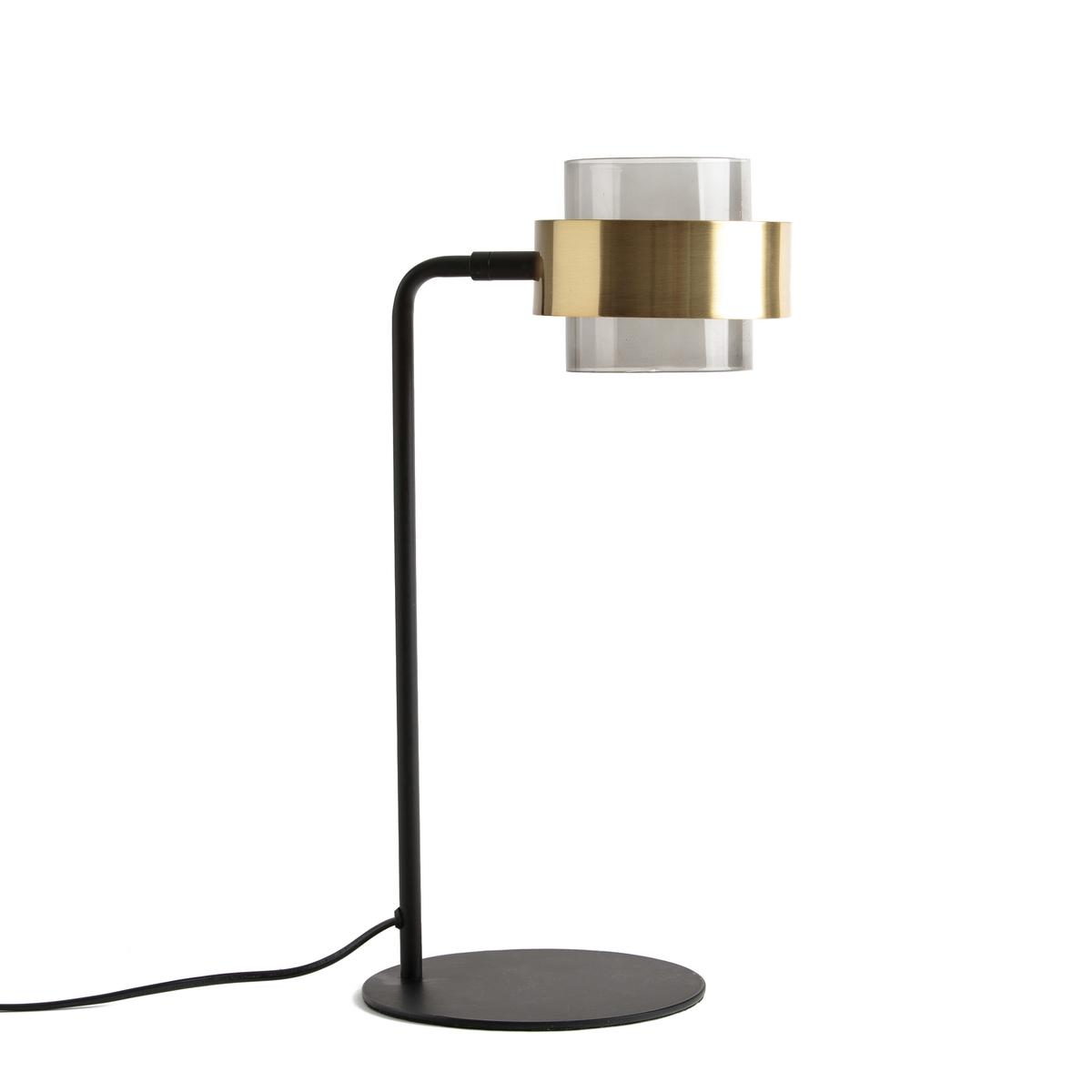 Лампа настольная из металла и стекла BOTELLOЛампа настольная из металла под латунь и затемненного стекла , Botello . Украсьте ваш интерьер с этим оригинальным современным светильником . Описание настольной лампы, Botello  :Патрон для лампочки G9 светодиодной макс 5Вт (не входит в комплект) Этот светильник совместим с лампочками    энергетического класса  : A.Абажур поворотный Характеристики настольной лампы, Botello:Каркас из металла с эпоксидным покрытием  Абажур из металла с латунной отделкой и тонированного стекла.Найдите другие модели из коллекции Botello на сайте laredoute.ruРазмеры лампы, Botello:L19 x H44 см ? цоколя 19 см<br><br>Цвет: черный/латунь
