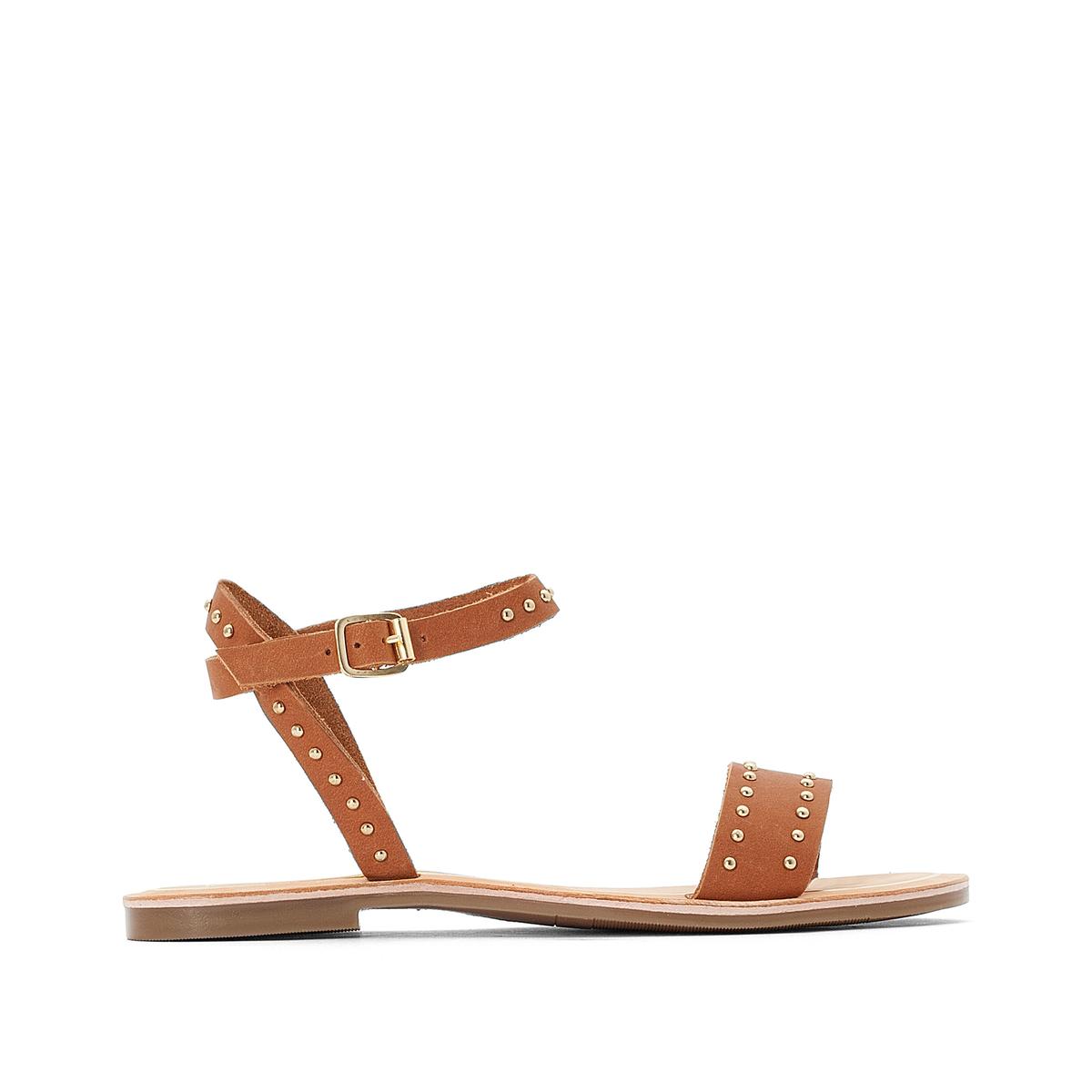 Sandalias con tachuelas de piel