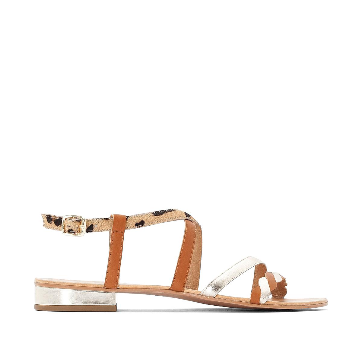 Sandálias em pele, com detalhe leopardo