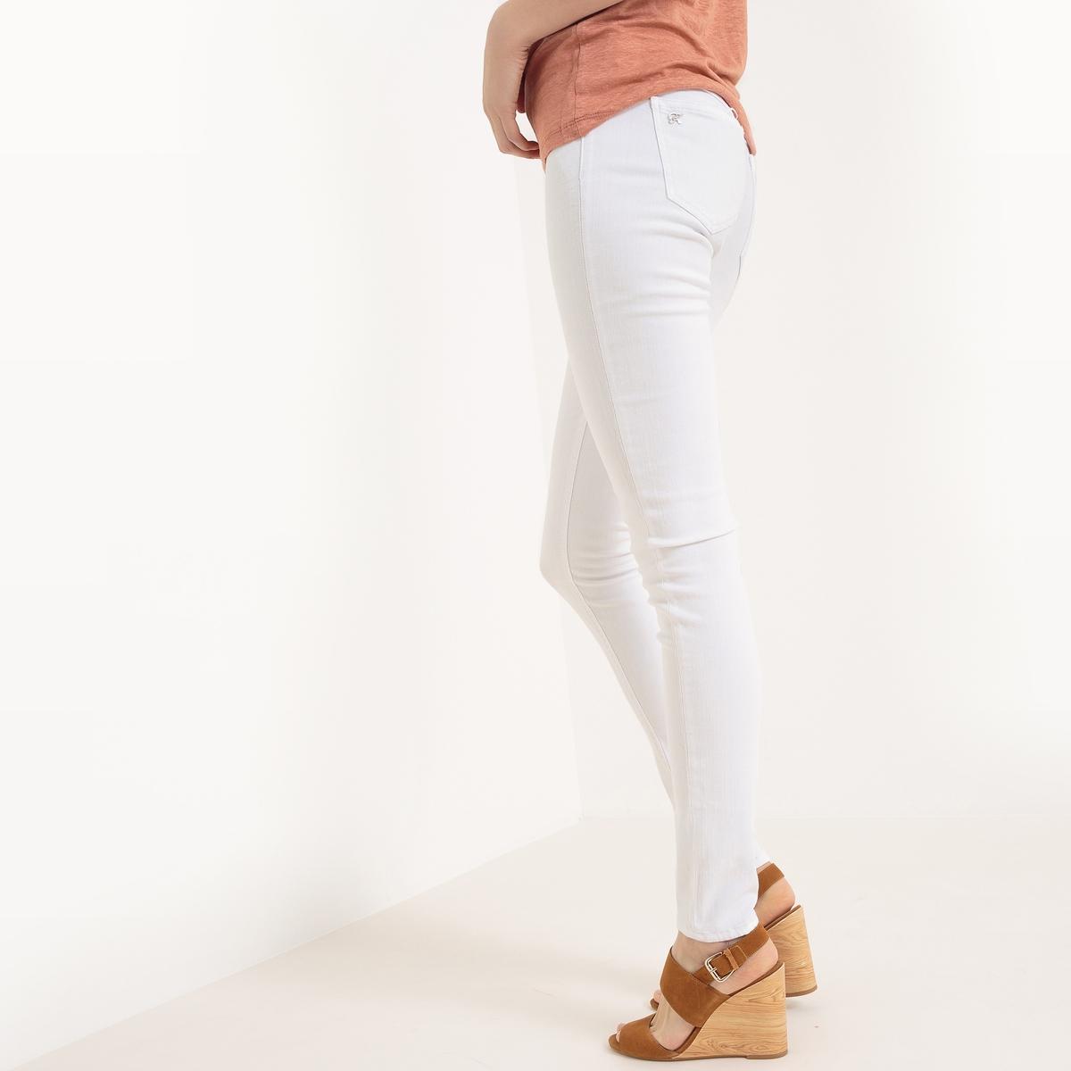 Джинсы базового гардеробаМатериал : 91% хлопка, 3% эластана, 6% полиэстера  Высота пояса : стандартная Покрой джинсов : скинни Длина джинсов : длина 32<br><br>Цвет: белый,синий потертый,темно-синий<br>Размер: 27 длина 32