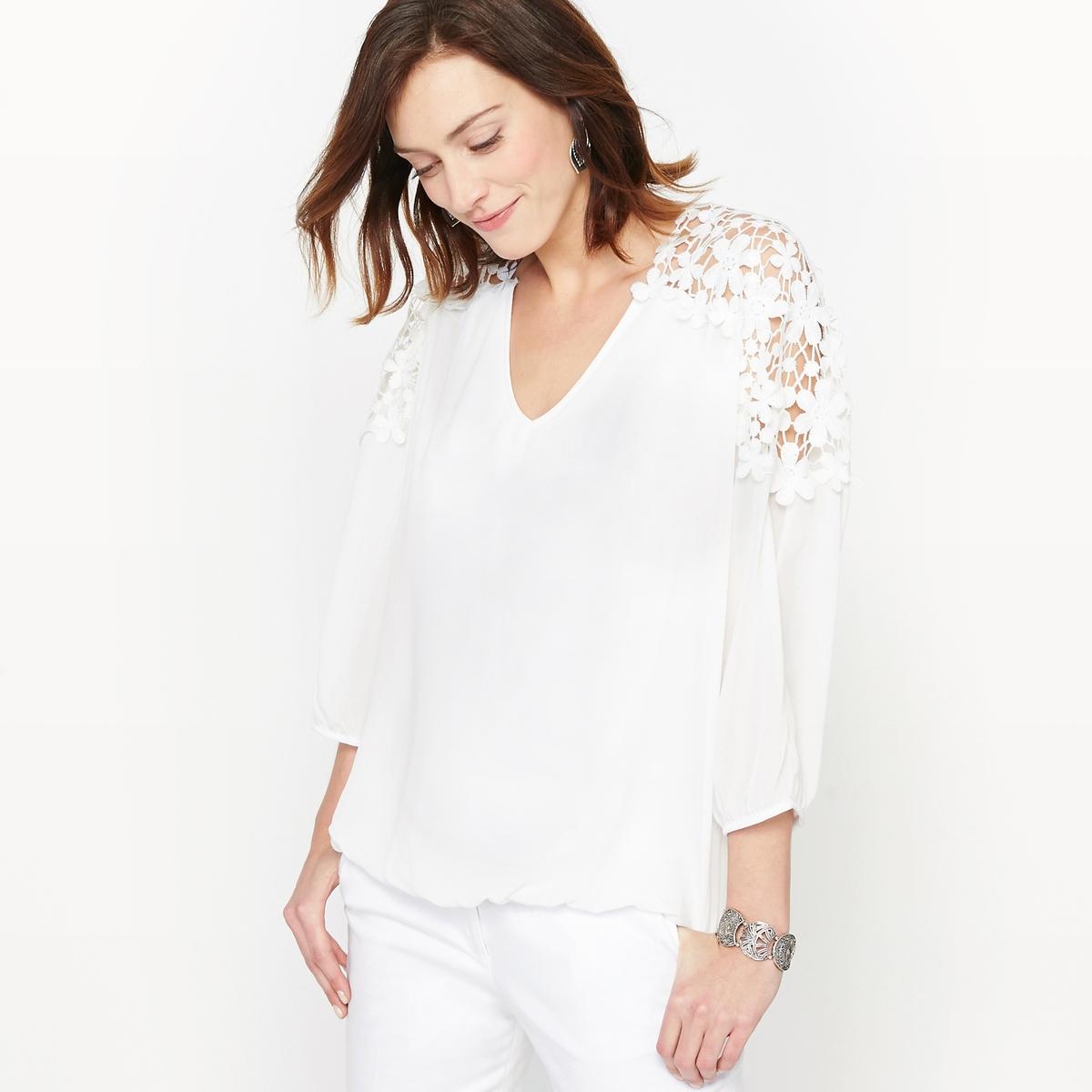 Блузка с V-образным вырезом из крепа и гипюра