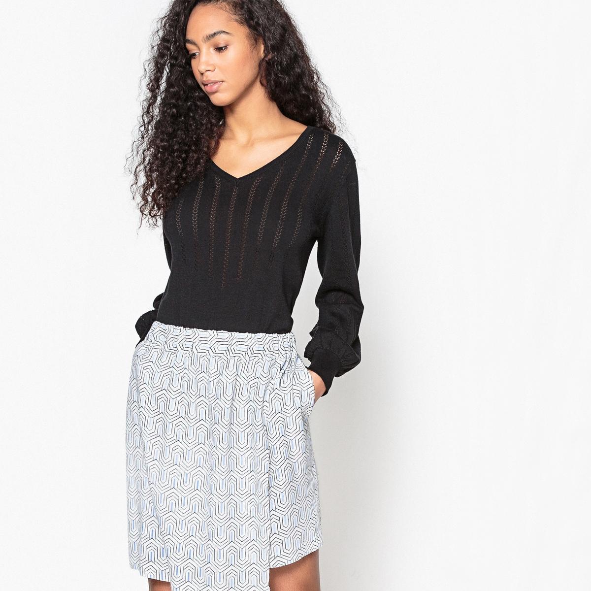 Пуловер с V-образным вырезом из ажурного трикотажа