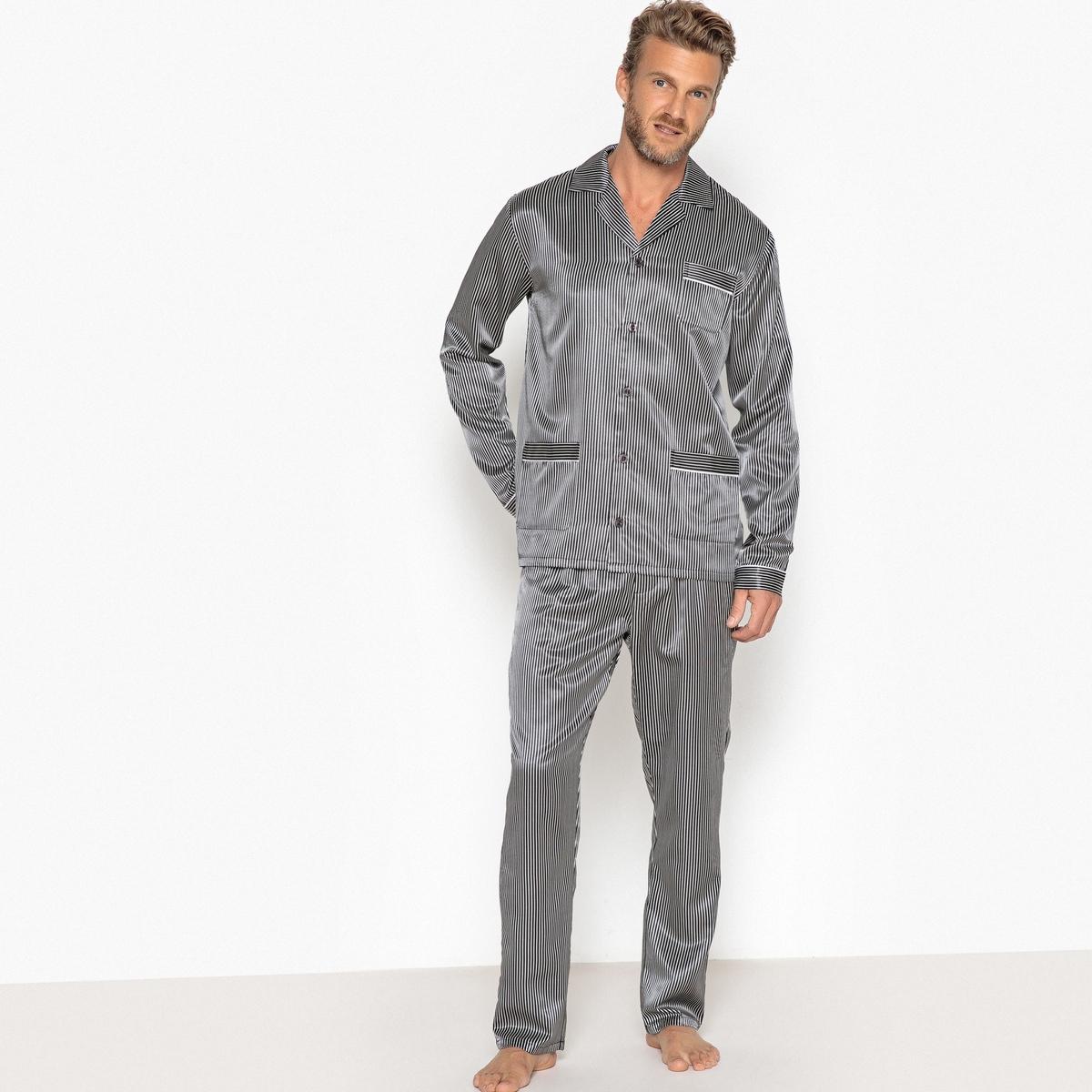 Pijama, em cetim às riscas, gola