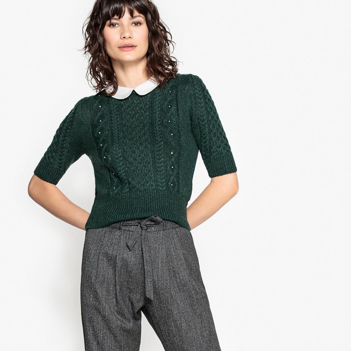 Пуловер с рисунком косы и бисером