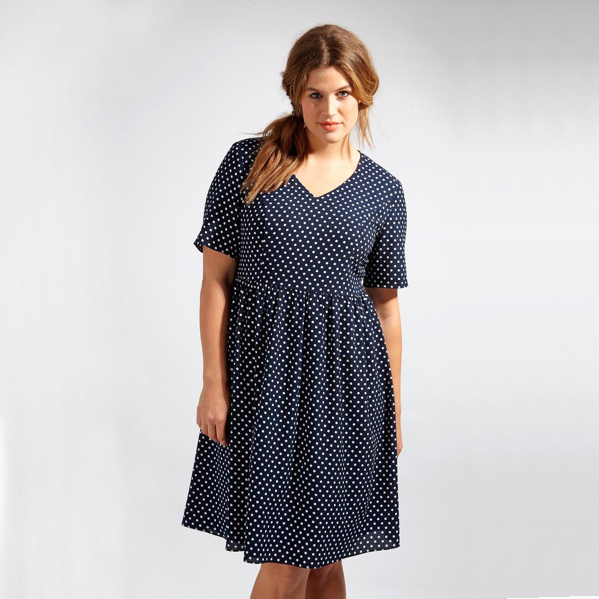 ПлатьеПлатье с короткими рукавами LOVEDROBE. V-образный вырез. Длина до колен. Застежка на молнию сзади. 100% полиэстер<br><br>Цвет: в горошек<br>Размер: 54/56 (FR) - 60/62 (RUS)