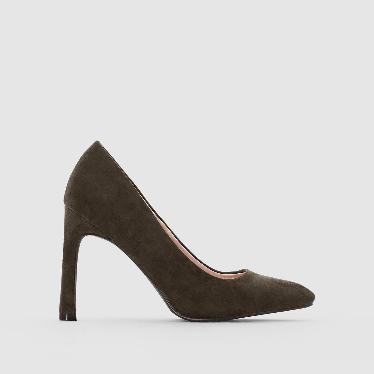 Туфли с острым мыском