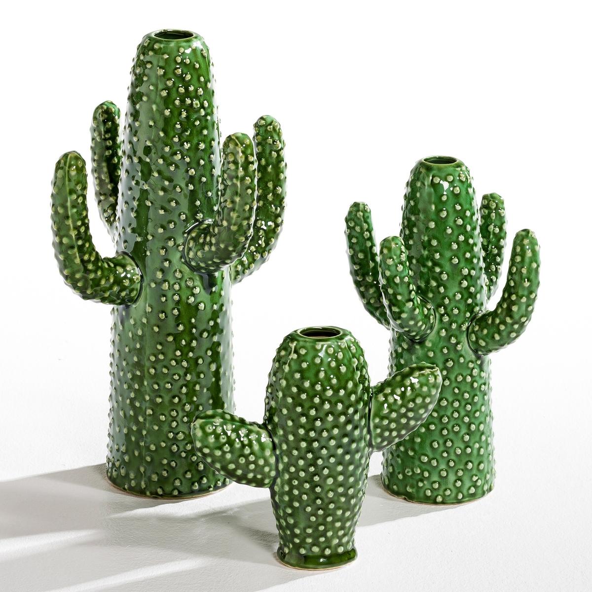 Ваза Cactus, высота 29 см, дизайн М. Михельссен для SeraxХарактеристики : - Ваза для одного цветка в форме кактуса с 4 ручками. - Из керамики, покрытой глазурью   . Размеры : - Ш.19 x В.29 x Г.17 см.<br><br>Цвет: зеленый