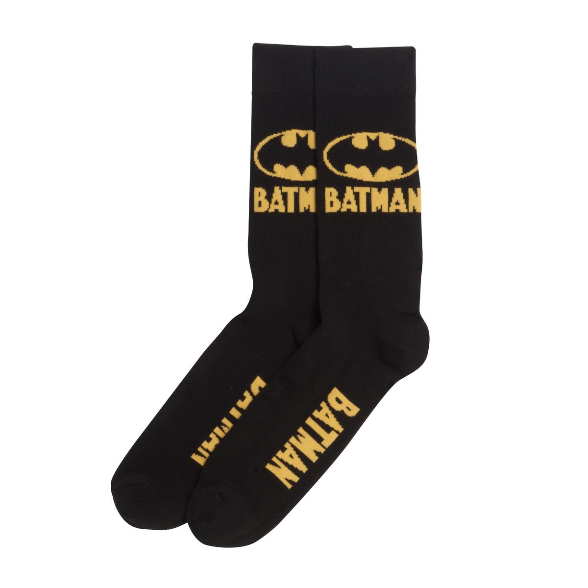 2 пары носков BATMAN2 пары носков от марки BATMAN .                                                              - Логотип Бэтман  по бокам и низ и жаккарда                     - Края сшиты в рубчик на уровне щиколоток Состав и описание 2 пар носков :Основной материал : 75% хлопка, 20% полиамида, 5% эластана           Марка : BATMAN®Уход :                                                              Машинная стирка при 40°                        Барабанная сушка запрещена                     Сухая чистка запрещена<br><br>Цвет: черный/ желтый<br>Размер: 43/45