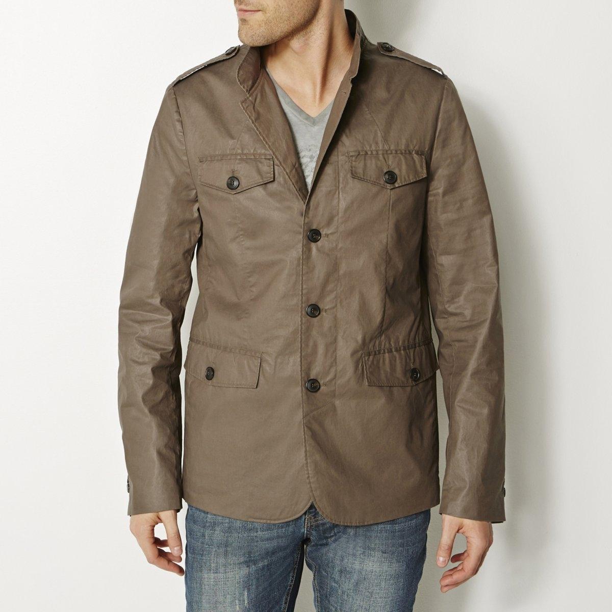 КурткаКуртка с воротником-стойкой. 100% хлопка с пропиткой, контрастная подкладка из полиэстера. 4 кармана с клапанами, 2 внутренних кармана. Застежка на пуговицы. Хлястик сзади. Шлица сзади. Погоны. Длина 75 см.<br><br>Цвет: хаки<br>Размер: 46