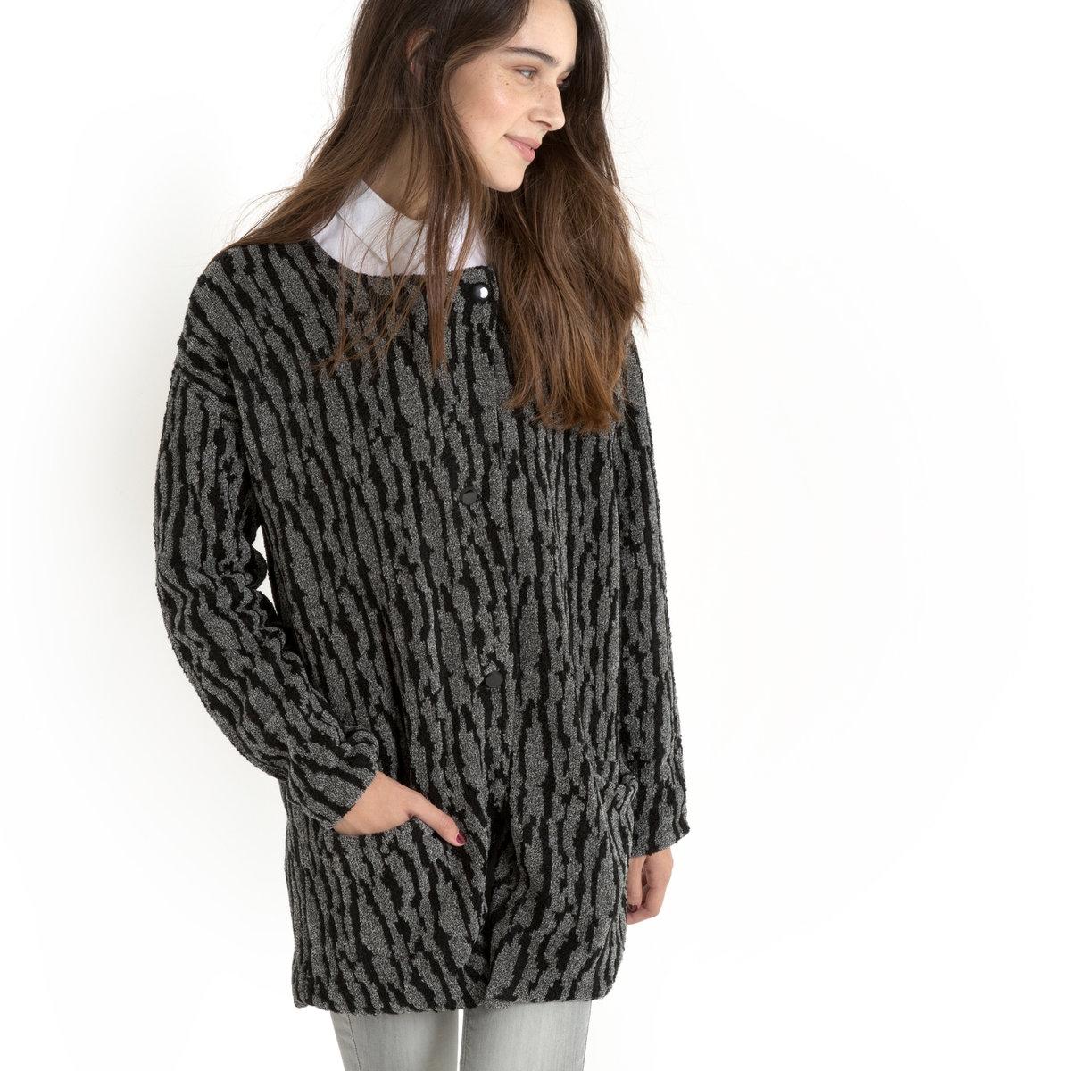 Пальто IDAДвухцветное пальто с рисунком, модель IDA от NUMPH. Внешняя сторона из мягкого двухцветного трикотажа. Прямой покрой. Длинные рукава с приспущенными проймами. Круглый вырез без воротника. Двойная застежка спереди на пуговицы на вырезе. 2 кармана спереди.. Пальто из 79% акрила и 21% хлопка. Подкладка из 100% полиэстера.<br><br>Цвет: черный/ антрацит<br>Размер: M