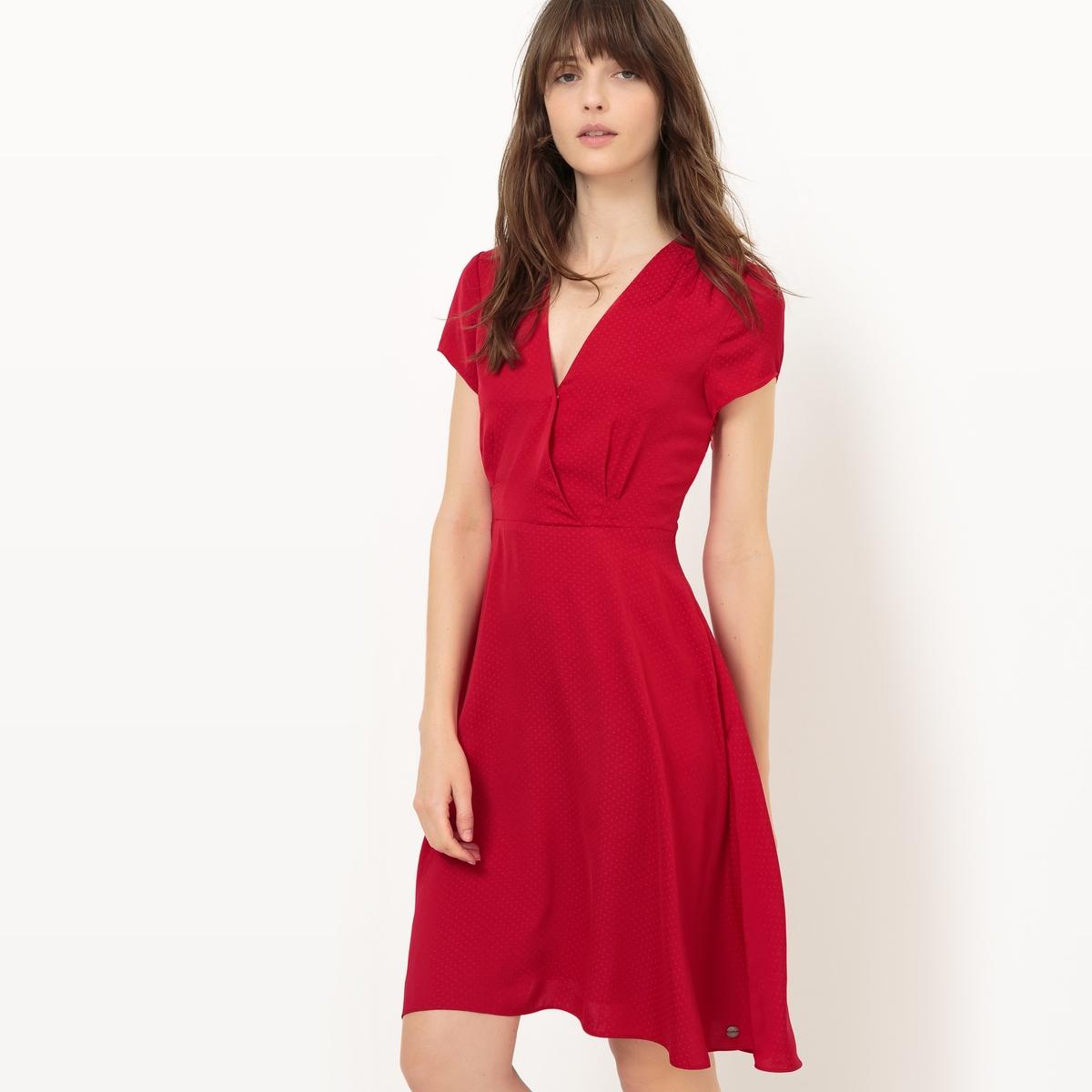 Платье с запахом спереди и короткими рукавамиМатериал : 100% полиамид Подкладка : 100% полиэстер Длина рукава : короткие рукава  Форма воротника : V-образный вырез Покрой платья : платье прямого покроя    Рисунок : однотонная модель  Особенность платья : глубокий вырез спереди Длина платья : короткое<br><br>Цвет: красный