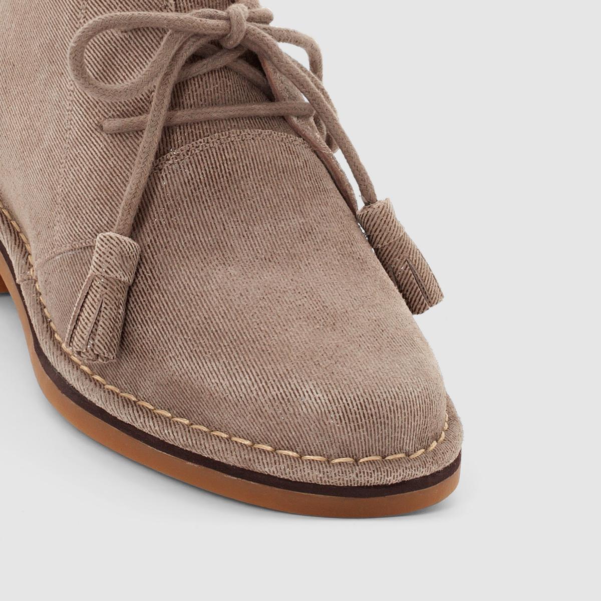 Ботинки из кожи Cyra CatelynПодкладка   : Без подкладкиСтелька : кожа               Подошва : каучук                Высота каблука : 2 см               Форма каблука : плоский каблук               Мысок : закругленный               Застежка : Шнуровка<br><br>Цвет: серо-коричневый<br>Размер: 37.36