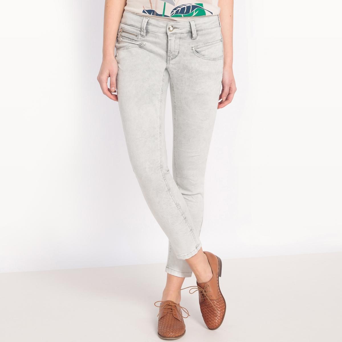 Джинсы ALEXA, укороченный очень узкий покрой, эластичный поясМатериал : 91% хлопка, 7% эластомультиэстера, 2% эластана                 Высота пояса : стандартная                Покрой джинсов : узкий                 Длина джинсов : длина 32<br><br>Цвет: белый