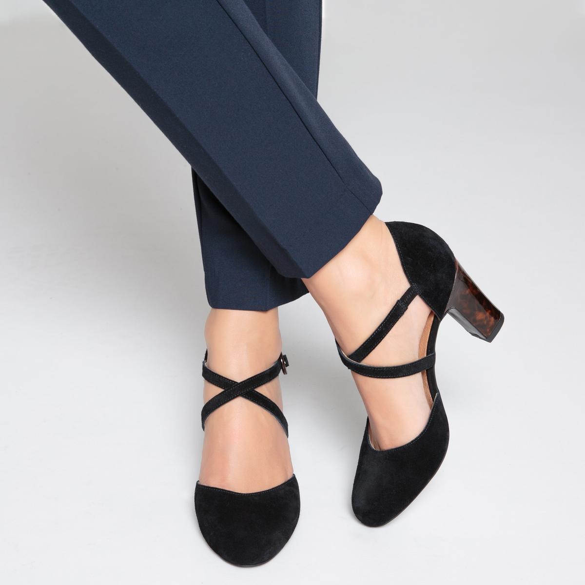 Туфли на каблуке кожаные