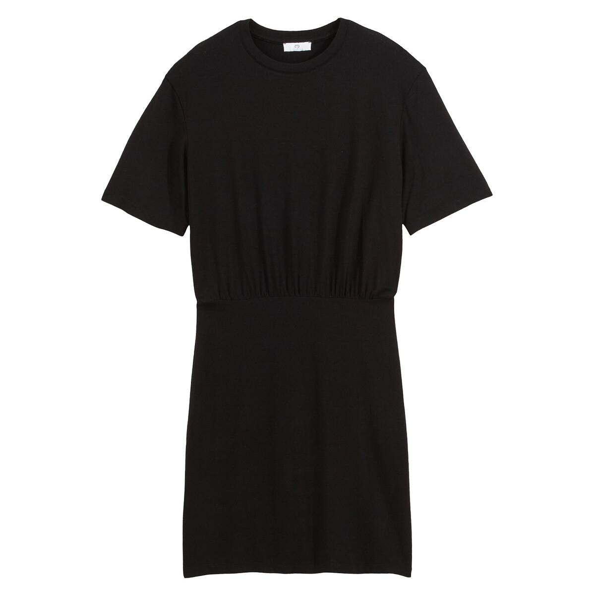 Vestido curto e liso tipo t-shirt, de mangas curtas