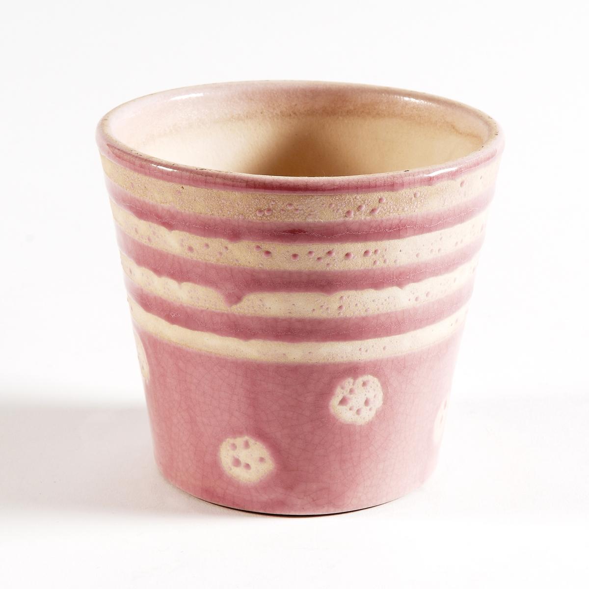 Кашпо из керамики, покрытой глазурью, EtnimaКашпо Etnima придаст яркий стиль благодаря этническим рисункам по периметру.Характеристики круглого кашпо из керамики Etnima :Круглое кашпо из керамики, покрытой глазурью, с этническим рисунком.Размеры круглого кашпо из керамики Etnima :Размеры : диаметр 14 x высота 12,5 см.<br><br>Цвет: светло-розовый<br>Размер: единый размер