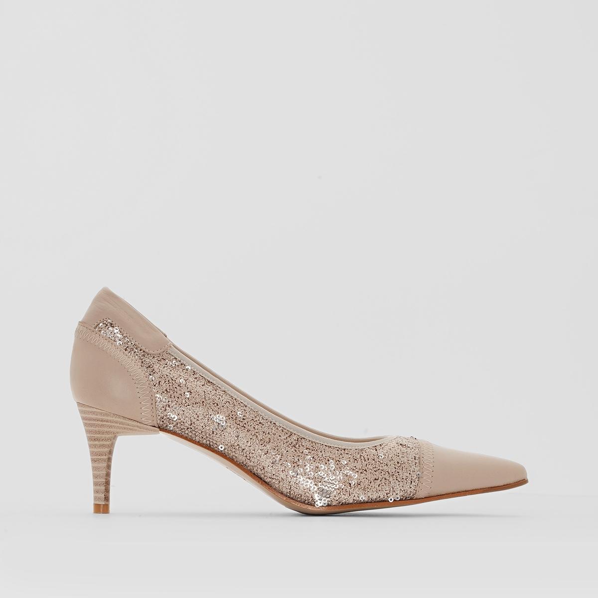 Туфли кожаные, ELIZABETH STUART RAMAКрасивые, изысканные и женственные туфли из мягкой кожи, подчеркнутые очаровательными пайетками, словно легким штрихом, украсят наш образ и вечера!<br><br>Цвет: бежевый/пайетки<br>Размер: 37