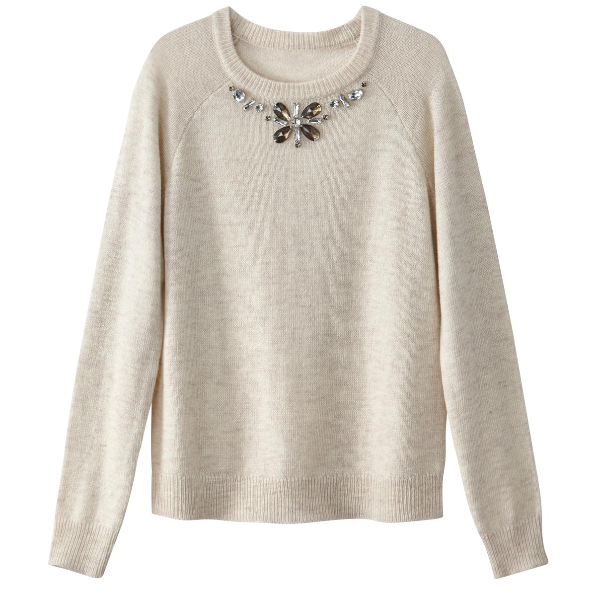 Пуловер с декоративным украшением