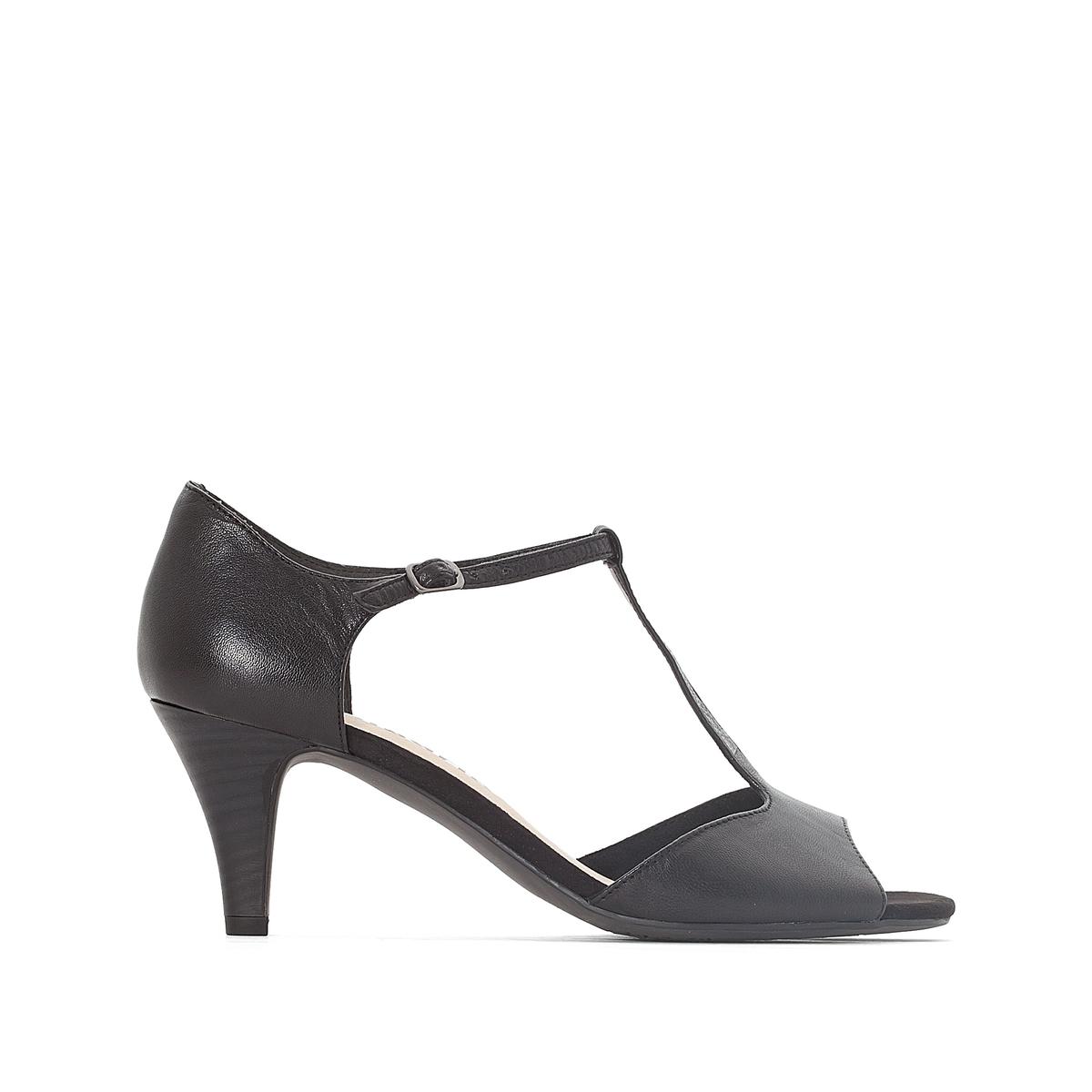 Босоножки из козьей кожи на каблукеЭти элегантные кожаные босоножки от Tamaris сделают вашу походку женственной и порадуют вас во время любых летних прогулок!<br><br>Цвет: черный<br>Размер: 38