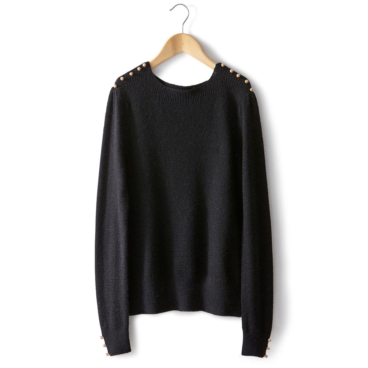 Пуловер трикотажныйПуловер из трикотажа 45 % вискозы, 50 % полиамида, 5 % альпака. С воротником-стойкой. Пуговицы на плечах и манжетах. Кружевная вышивка по корпусу и рукавам. Края выреза, манжет и низа связаны в рубчик . Длина . 56 см  .<br><br>Цвет: черный