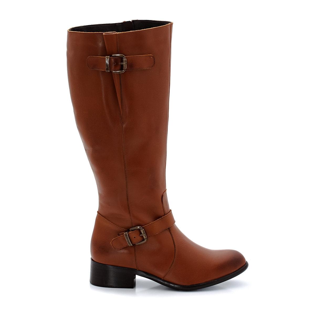 Сапоги из кожиПодошва: эластомер под креп. Высота каблука:  3,5 см. Высота голенища:  38 см. Обхват икры: от 41 до 48 см. Застежка:  молния сбоку. Плюс модели: регулируемый клапан вверху голенища для оптимального комфорта, а также красивые ремешки с пряжками.Соответствие между размером обуви и обхватом икры:- размер 38/39 : обхват икры от 41 до 42 см- размер 40/41 : обхват икры от 43 до 44 см- размер 42/43 : обхват икры от 45 до 46 см- размер 44/45: обхват икры от 47 до 48 см<br><br>Цвет: темно-бежевый<br>Размер: 41