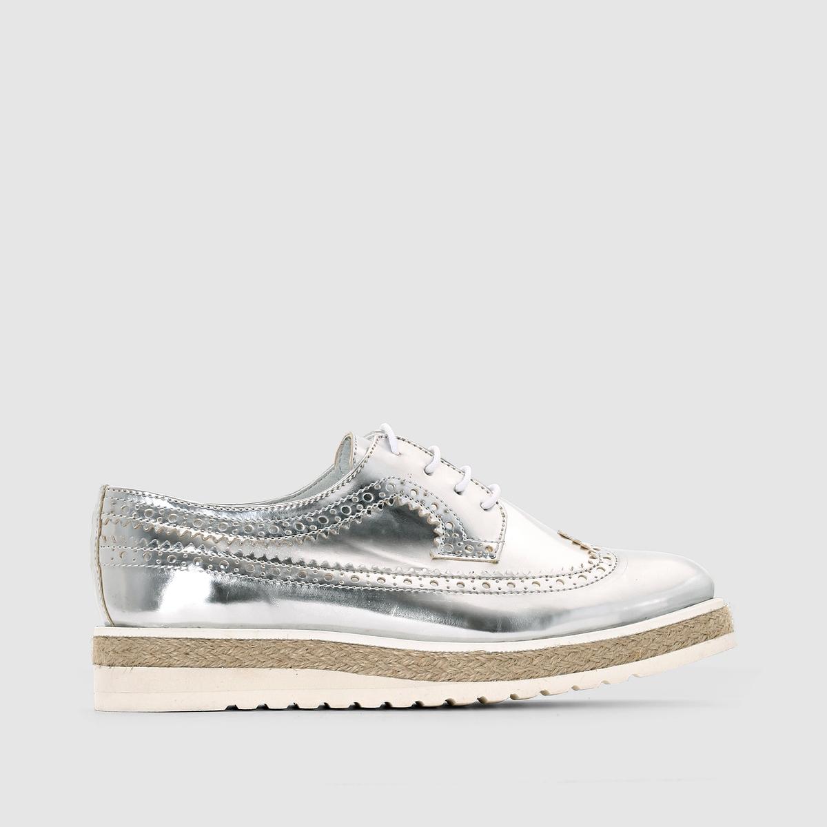 Ботинки-дербиЗастежка: без застежкиПреимущества: серебристый верх и бечевка на подошве - ботинки для самых экстравагантных!<br><br>Цвет: серебристый<br>Размер: 37