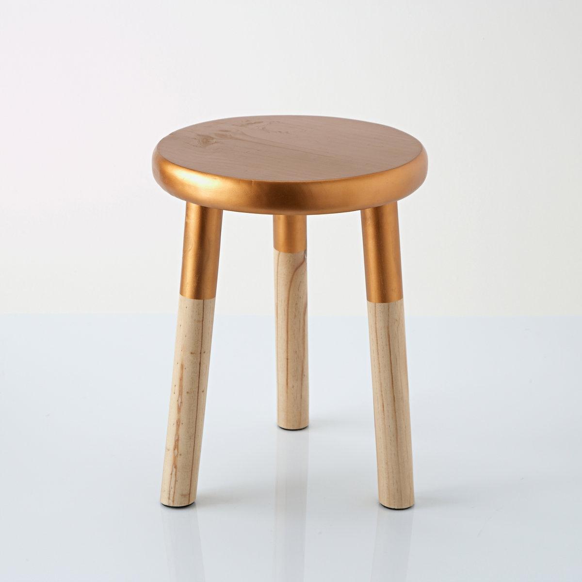 Табурет из дерева с покрытием медной краской, EloriТабурет из дерева с покрытием медной краской, Elori. Небольшие размеры, но очень яркий дизайн, в котором медь сочетается с древесиной. Этот стильный табурет с 3 ножками можно использовать в качестве приставного стула.Характеристики табурета Elori:Каркас из древесины (сосна).Круглое сиденье с покрытием эпоксидной краской медного цвета.Размеры табурета Elori:ОбщиеДиаметр: 30 см.Высота: 38 см.<br><br>Цвет: медный<br>Размер: единый размер