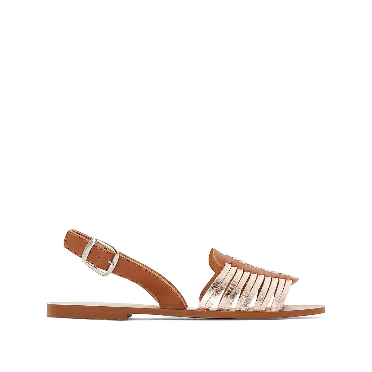 Босоножки кожаные с металлическими деталями на плоском каблуке сапоги кожаные на плоском каблуке 1137