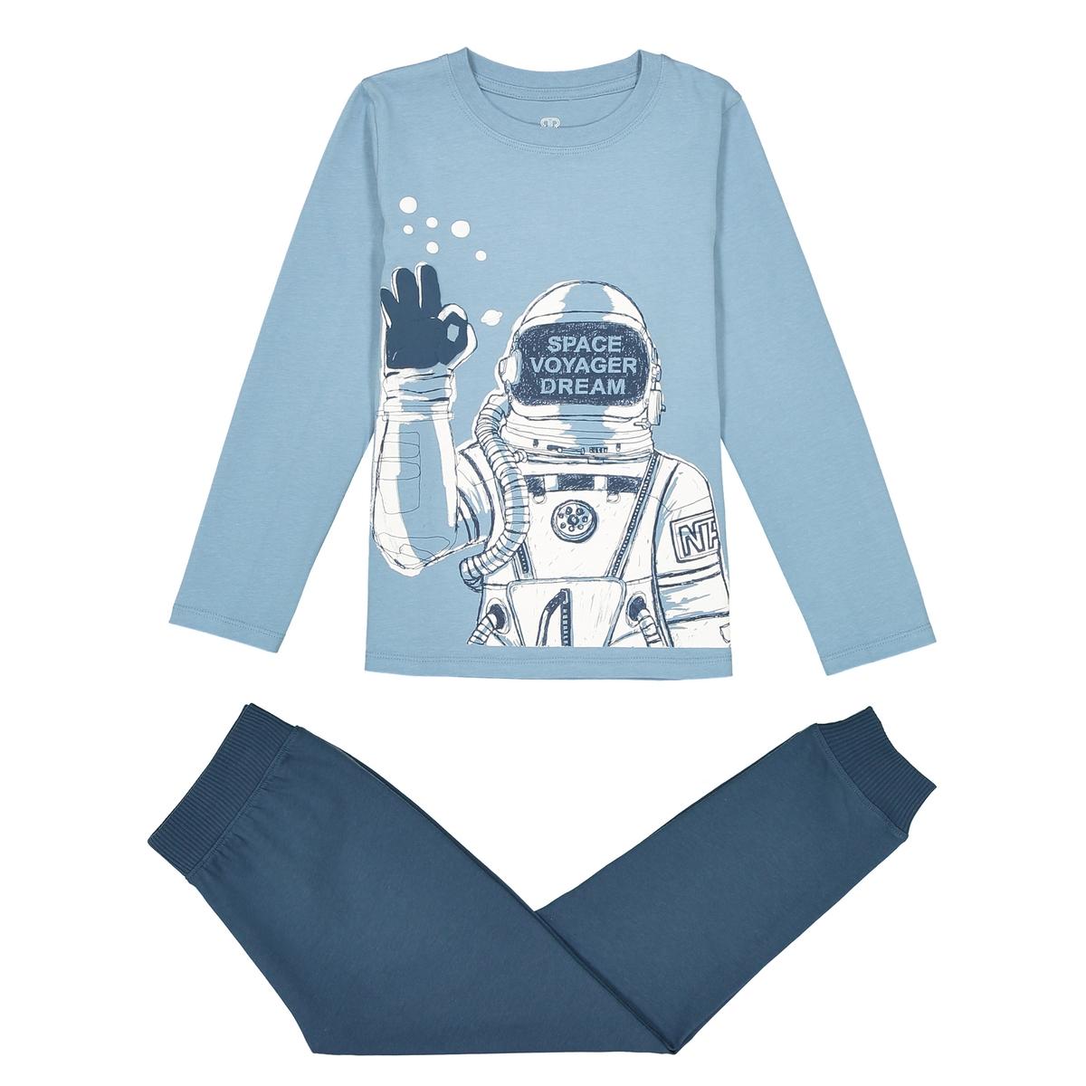 Пижама космонавт, 3-12 летОписание:Рельефный рисунок в стиле космический путешественник ! Тёплая пижама прекрасно подходит для комфортного сна !Состав и описание :Пижама: футболка с длинными рукавами и брюки. Футболка с рисунком космонавт спереди . Однотонные брюки с эластичным поясом •  Состав : Джерси, 100% хлопкаУход : •  Машинная стирка при 30° с вещами схожих цветов.  •  Стирать, сушить и гладить с изнаночной стороны.  •  Машинная сушка в умеренном режиме. •   Гладить на низкой температуре.<br><br>Цвет: синий/ темно-синий<br>Размер: 6 лет - 114 см.5 лет - 108 см.8 лет - 126 см.12 лет -150 см.10 лет - 138 см.4 года - 102 см.3 года - 94 см