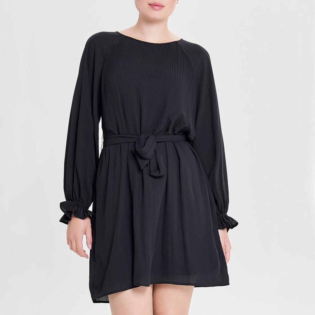Платье плиссированное с круглым вырезом и длинными рукавами платье расклешенное с длинными рукавами и круглым вырезом
