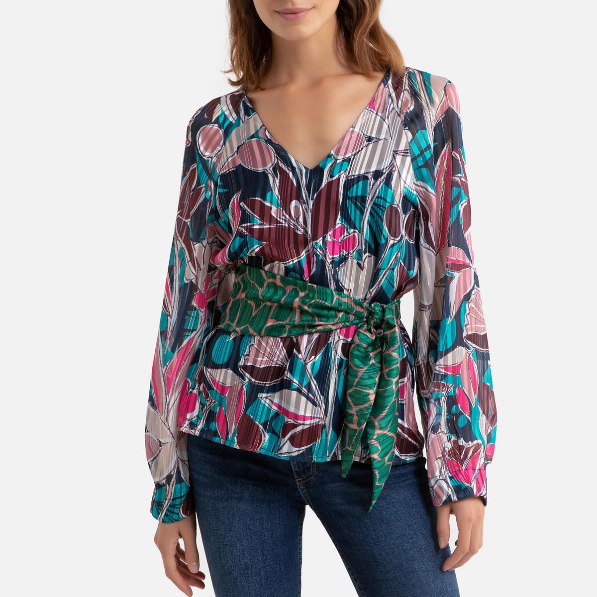 Blusa florida, com decote em V e cinto para atar