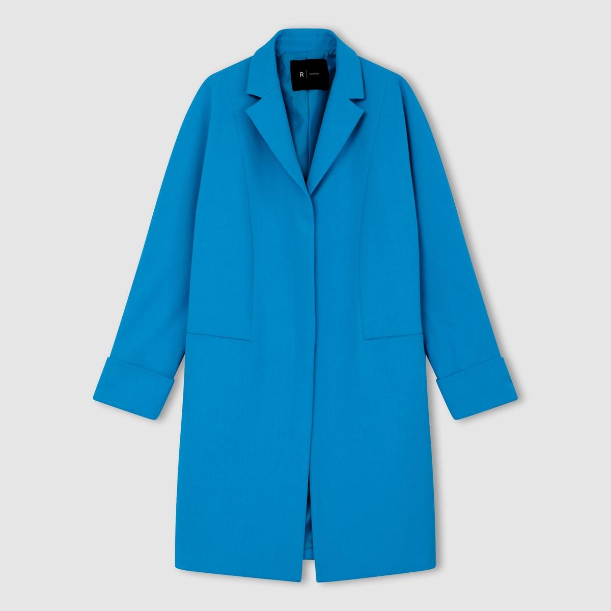 Пальто каплеобразной формыПальто каплеобразной формы, широкий покрой. 60% полиэстера, 36% вискозы, 4% эластана . Подкладка из 100% полиэстера. 2 кармана спереди. Рукава с отворотами. Длина 95 см.<br><br>Цвет: красный,ярко-синий<br>Размер: 46 (FR) - 52 (RUS).36 (FR) - 42 (RUS)